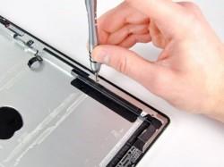 iFixit tears down the iPad 2