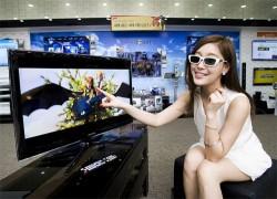 Samsung announces 32-inch 3D Smart TV