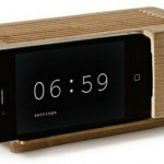 Wireless iPhone 4 alarm dock does nothing, but looks good doing it