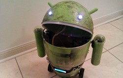 Android trash can robot