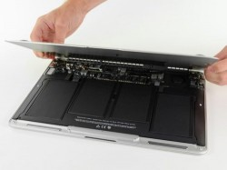iFixit tears down new MacBook Air